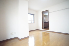 https://image.rentersnet.jp/0ebe38fd-7924-41d2-b240-431e06d2b62d_property_picture_2987_large.jpg_cap_※別部屋の参考写真