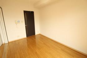 https://image.rentersnet.jp/0ed2adae-f6b3-4fe5-9a85-ee03dbdc0802_property_picture_958_large.jpg_cap_居室