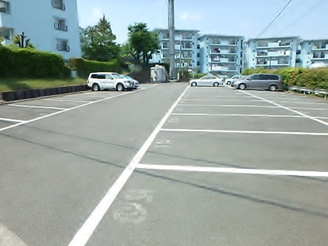 百草団地2-7-9駐車場