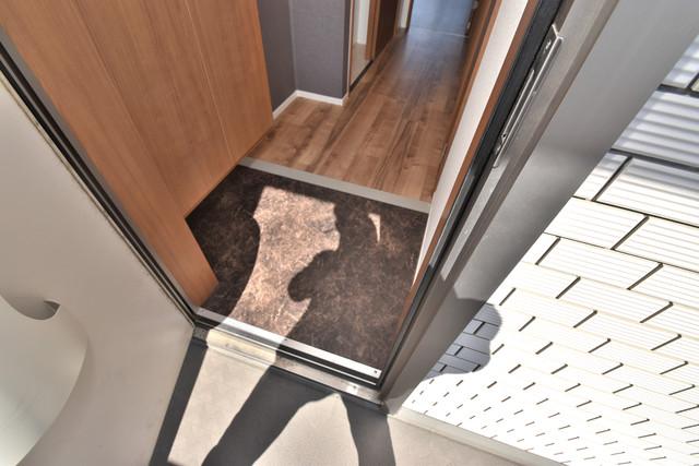 ラヴィ・クレール 素敵な玄関は毎朝あなたを元気に送りだしてくれますよ。