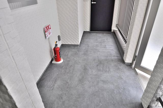 F maison MARE(エフメゾンマーレ) エントランス周辺はいつもキレイに片付けられています。