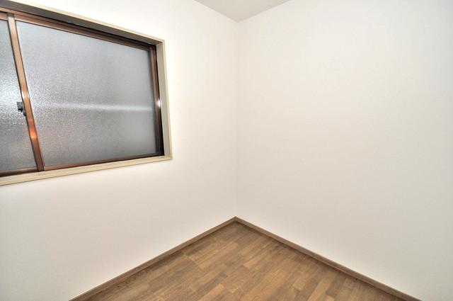 荒川貸家B 朝には心地よい光が差し込む、このお部屋でお休みください。