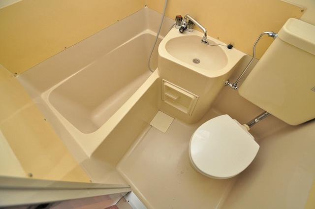 ハイツ片岡Ⅱ コンパクトだけど機能性バッチリ。シンプルライフに十分のお風呂。