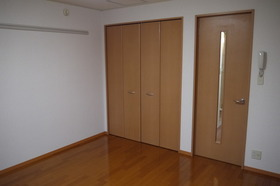 https://image.rentersnet.jp/0faa39ce-d0d8-4419-b51b-a494ac5e4319_property_picture_2419_large.jpg_cap_居室