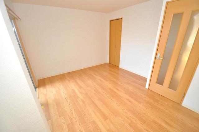 サニーハイム上小阪 陽当りの良いベッドルームは癒される心地良い空間です。