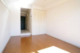 https://image.rentersnet.jp/0fea9624-b52e-4222-b27f-a5b338aa1591_property_picture_962_large.jpg_cap_居室