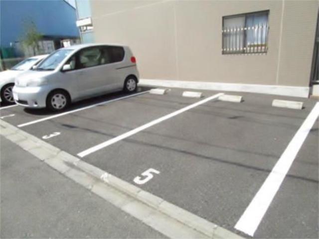 ヴィラフローリッシュ駐車場