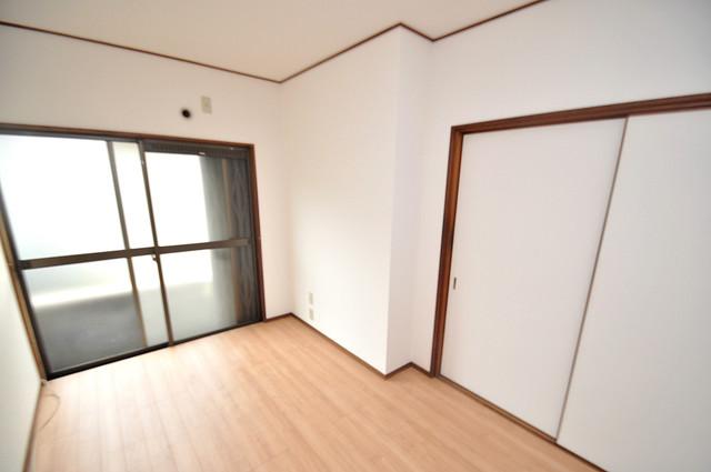 ビーフォレスト尼崎KANNAMI 広めのリビングはゆったりくつろげる癒しの空間です。