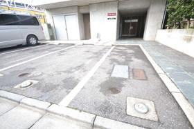 リフュージュ アイ ノース駐車場