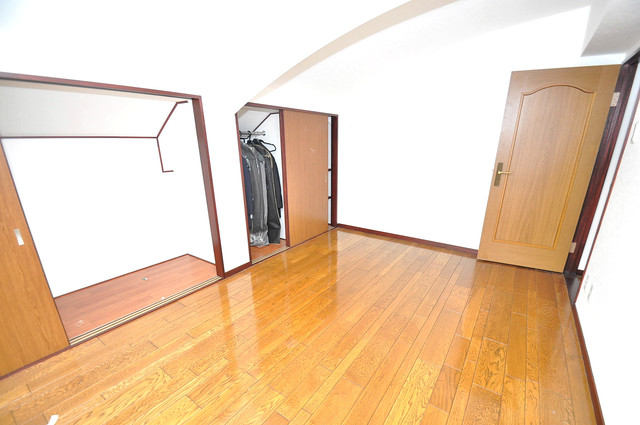 ルシード小阪 朝には心地よい光が差し込む、このお部屋でお休みください。