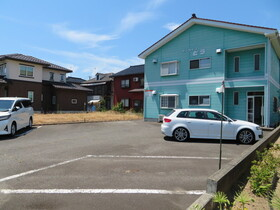 https://image.rentersnet.jp/10e6e592-ced1-4868-9b78-7a72c0e18da7_property_picture_959_large.jpg_cap_駐車場