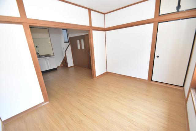 柏田東町2-37貸家 解放感たっぷりで陽当たりもとても良いそんな贅沢なお部屋です。