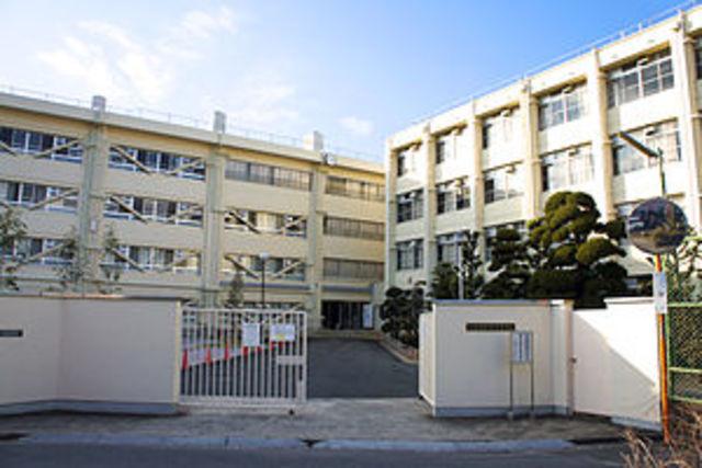 アリーヴェデルチ小阪 私立大阪商業大学