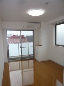 サンパティオサンアイパート1 301号室
