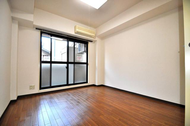 フィオレ源氏ケ丘 落ち着いた雰囲気のこのお部屋でゆっくりお休みください。