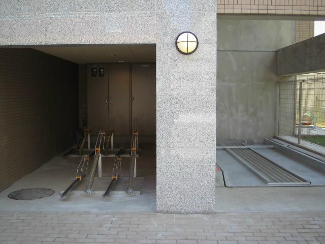 スカイコート東京ベイ東雲駐車場
