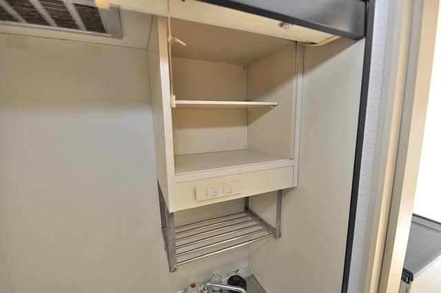 ロイヤル巽 キッチン棚も付いていて食器収納も困りませんね。