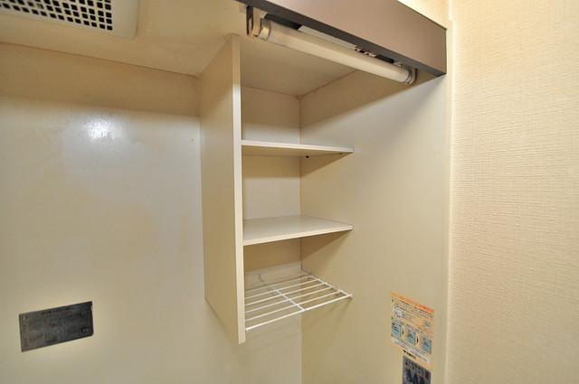 ヴィラアルタイル キッチン棚も付いていて食器収納も困りませんね。