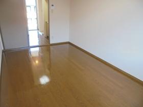 https://image.rentersnet.jp/12601d30-5d95-4cd2-9f65-5c49ec9743e5_property_picture_3186_large.jpg_cap_居室