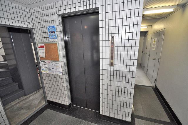 アリーヴェデルチ小阪 嬉しい事にエレベーターがあります。重い荷物を持っていても安心