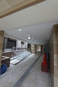 板橋本町駅 徒歩14分エントランス