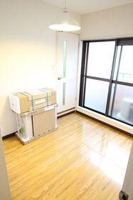 https://image.rentersnet.jp/12b910b9-e67c-42f5-96b0-a5d00458ec7b_property_picture_2418_large.jpg_cap_居室