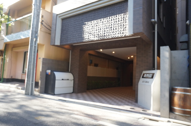 THE PRECIOUS 目黒川エントランス