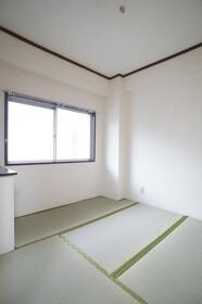 西脇マンション 201号室