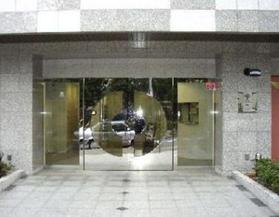 表参道駅 徒歩13分エントランス
