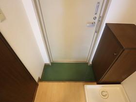 https://image.rentersnet.jp/13c89d54-b15d-449e-95d9-e32dabaa1077_property_picture_955_large.jpg_cap_玄関
