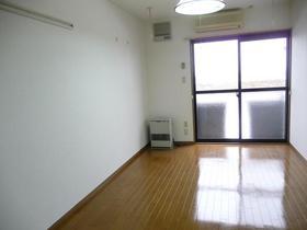https://image.rentersnet.jp/13dbfecc55e5b417182e54ab7923cf5e_property_picture_959_large.jpg_cap_居室