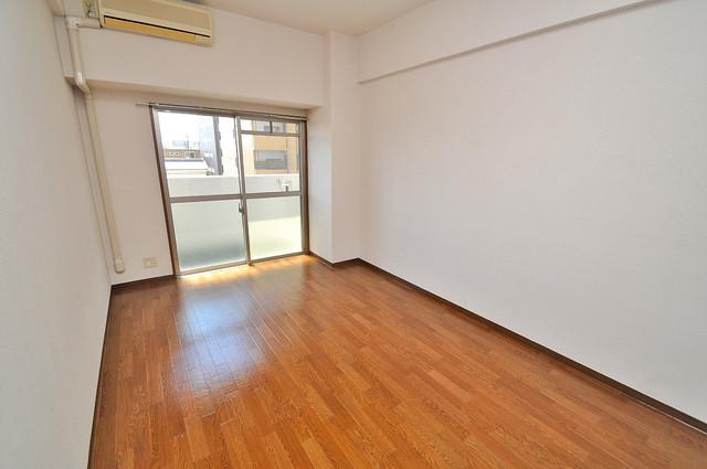 グランドゥルイ 明るいお部屋はゆったりとしていて、心地よい空間です