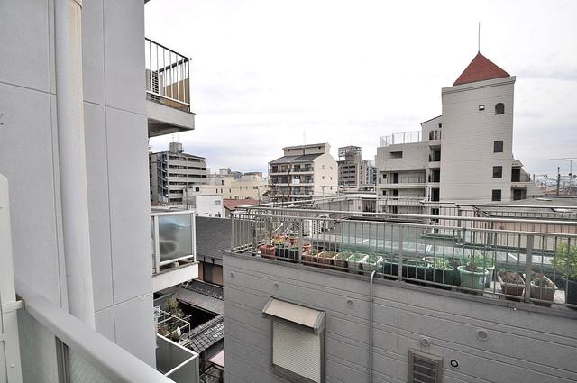 大宝菱屋西ロイヤルハイツ バルコニーは眺めが良く、風通しも良い。癒される空間ですね。
