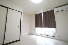 https://image.rentersnet.jp/1474e4c1-78ce-406c-845c-d0fae911eec6_property_picture_956_large.jpg_cap_居室
