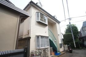 狛江駅5分の好立地☆閑静な住宅地にあります。