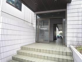 綱島駅 徒歩17分エントランス