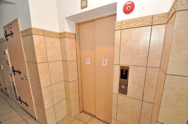 カーサエスパシオ 嬉しい事にエレベーターがあります。重い荷物を持っていても安心