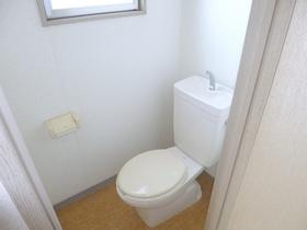 トイレに窓あります!