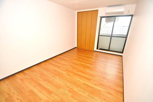 YMSマンション 陽当りの良いベッドルームは癒される心地良い空間です。
