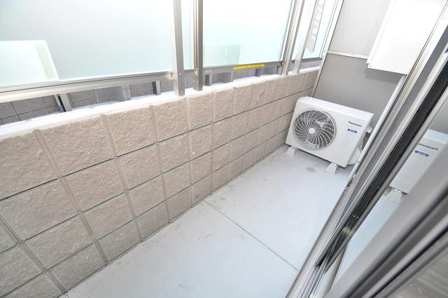 シャーメゾンプランタン 心地よい風が吹くバルコニー。洗濯物もよく乾きそうです。