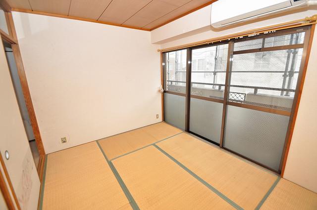 七福興産ビル 落ち着いた雰囲気のこのお部屋でゆっくりお休みください。