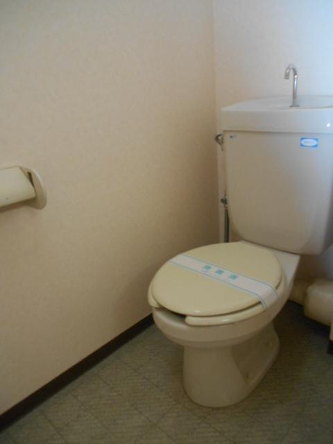 ヴェルジュ三家向トイレ