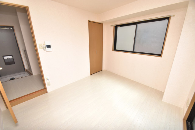 ヴィラサンライフ 朝には心地よい光が差し込む、このお部屋でお休みください。