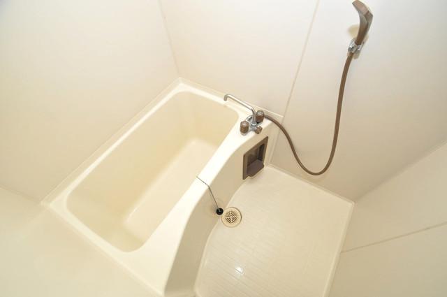 ゴッドフィールドⅢ ちょうどいいサイズのお風呂です。お掃除も楽にできますよ。