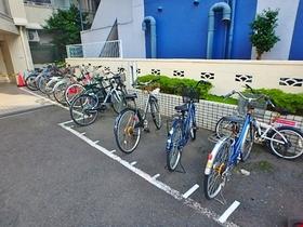 クリオ淵野辺壱番館駐車場