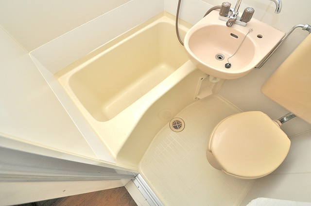 エステートピアイシイ シャワー1つで掃除できます。