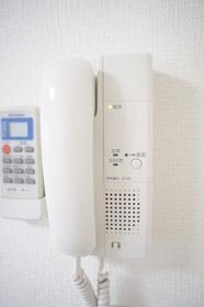 https://image.rentersnet.jp/1575532aa617bad6f2a4937fe647226e_property_picture_961_large.jpg_cap_オートロックと連動