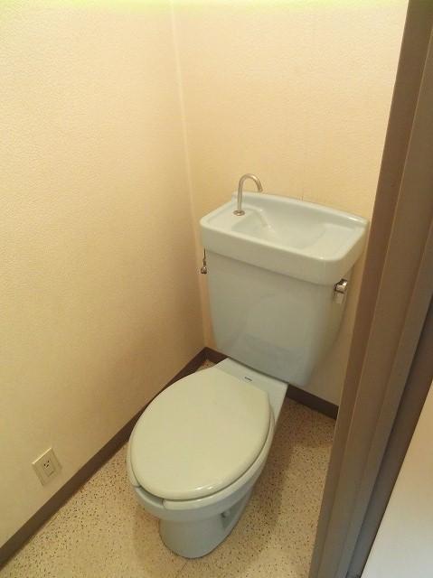中野ビルトイレ