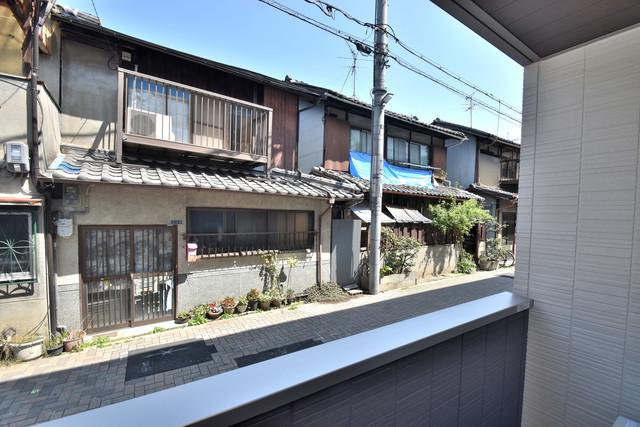 セレナヴィラ下小阪W 目の前に建物がありますがこのように日も入ってきます。