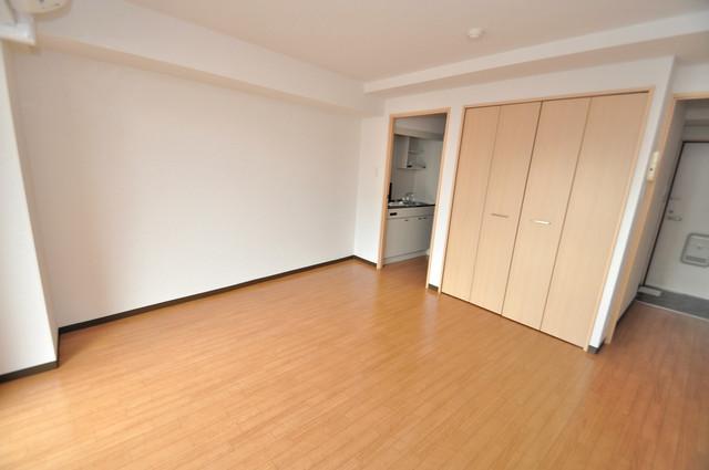 M'プラザ布施弐番館 朝には心地よい光が差し込む、このお部屋でお休みください。